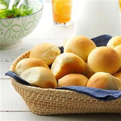 Potluck Pan Rolls Recipe -The appealing homemade yeast-bread flavor of these golden rolls is unbeatable. Soft and light, they're great alongside any entree. Folks are disappointed if I don't bring them to potluck dinners. Kouign Amann, Potluck Recipes, Cooking Recipes, Picnic Recipes, Potluck Ideas, Potluck Dishes, Cooking Ideas, Yummy Recipes, Dinner Recipes
