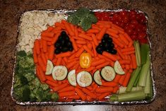 Halloween veggie tray....what a cute idea and healthy too!