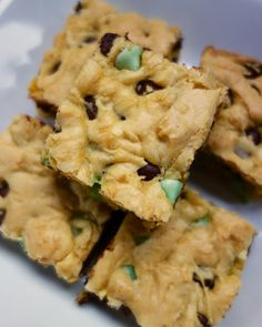 Chocolate Mint Cookie Bars - cake mix, eggs, butter, Andes mint chip and dark chocolate chips - ready in about 25 minutes. Great for St. Patrick's Day
