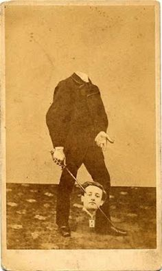 Before the Photoshop: Here Are 20 Creepy Headless Portraits From the Victorian Era Vintage Pictures, Old Pictures, Old Photos, Weird Pictures, Victorian Photos, Victorian Era, Halloween Photos, Vintage Halloween, Halloween Diy