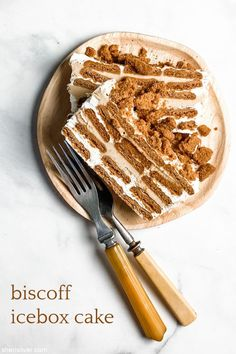 shortcuts: biscoff icebox cake! | Sheri Silver - living a well-tended life... at any age Speculoos Cookie Butter, Biscoff Cookies, Summer Desserts, No Bake Desserts, Dessert Recipes, Dessert Ideas, Yummy Treats, Sweet Treats, Yummy Food