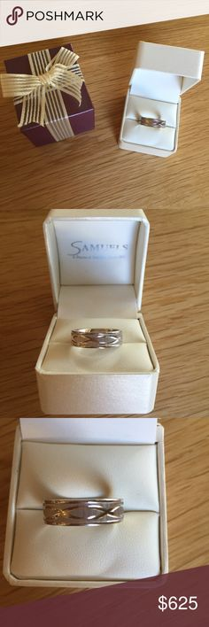 Men's Samuels Jewelers 14k White Gold Ring Samuels Jewelers Men's 14k White Gold True Knots Infinity Symbol Ring. Size 10. 6.5mm wide. Worn only in wedding photos, sat in the box ever since. No scratches, looks brand new. Samuels Jewelers Accessories Jewelry
