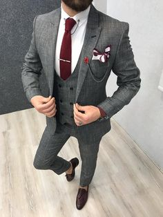 Paul Gray Slim Fit Suit : Product : Slim Fit vest suit Size 48 50 52 54 56 Suit material: wool, poly Machine washable : No Fitting :Slim fit Remarks: Dry Cleaner Suit Fit