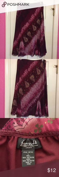 🌺flirty knee length skirt 🌺 size Large Flirty knee length skirt with elastic waistband pretty magenta and pink colors 🌺🌸🌺 biyaycda Skirts Midi