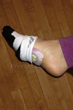 Al colocar una cebolla morada en nuestros pies, ésa es capaz de absorber las toxinas del cuerpo. La medicina china asegura que los pies están fuertemente conectados a todos los órganos internos de…