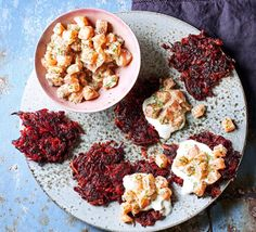 Warm and crispy beetroot fritters pair perfectly with cold cream and delicate, raw salmon. A tasty starter or a light lunch that's rich in Homemade Recipe Books, Easy Homemade Recipes, Beignets, Tartare Recipe, Salmon Tartare, Raw Salmon, Creamed Potatoes, Bbc Good Food Recipes, Yummy Recipes