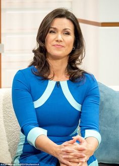 Good Morning Britain host Susanna Reid was mocked by viwers over her blue striped 'sci-fi' frock saying she looks like a super-hero from the movie Tron Susana Reid, Robin Meade, Gal Gabot, Morning Dress, Good Morning Britain, Tv Presenters, Hot Brunette, Celebs, Celebrities