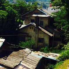 마산 산호동 용마고등학교 뒷쪽에 있는 일제시대의 여류작가 지하련(문인 임화의 부인)이 살았던 집.