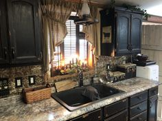 Farmhouse Or Primitive Kitchen With Black Sink And Black Cabinets on Home Inteior Ideas 7540 Black Sink, Primitive Homes, Rustic Cabinets, Black Cabinets, Country Decor Rustic, Primitive Kitchen Decor, Rustic Kitchen, Primitive Kitchen Cabinets, Primitive Kitchen