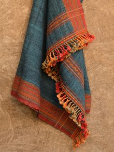 Unleash the nomad in you with these stunning pieces purely hand woven in raw wool..These woolens have long been a cultural identity for different community at Kutch & will surely bring vibrance to you and your home this festivity.. #kutchi #handwoven #rawwool #stole #shawl