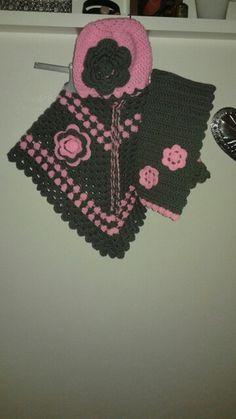 Ponch met muts en sjaal