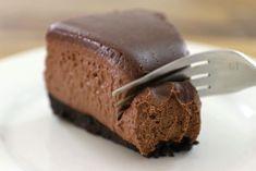 : Fudge Brownié No-Baké Cheesecaké >> >> Cocoa Chocolate, Melting Chocolate Chips, Brownie Cake, Fudge Brownies, Baking Recipes, Snack Recipes, Dessert Recipes, Chocolate Cheesecake, Chocolate Desserts