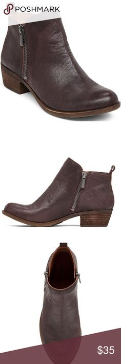 """Lucky Brand Basel Women Us 6 Brown Ankle Boot Product Details Lucky Brand's Basel booties are the perfect utilitarian style. You can pair them with just about anything and always look stylish. Round closed-toe booties with zipper closure on each side 1-1/2"""" stacked heel Leather upper; manmade sole Imported size 6  NOTE : BOOTS ARE NOT NEW THEY ARE STORE DISPLAY PLEASE SEE PHOTO FOR MORE DETAIL. . Lucky Brand Shoes Ankle Boots & Booties"""