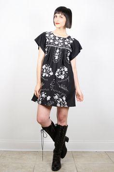 Vintage Mexican Dress Hippie Dress Black by ShopTwitchVintage #vintage #etsy #70s #1970s #mexican #boho #hippie #sundress #dress #festival