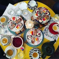 "Te apunta a la ""tea party""?  en @the_little_yellow_door  #FeelGoodFeb #FableticsInsider"