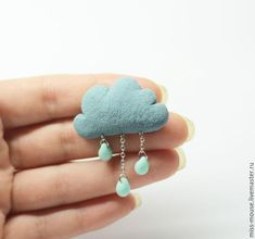 """Купить Брошь """"Тучка"""" - туча, брошь из пластики, из полимерной глины, милая брошь, дождь, серый"""