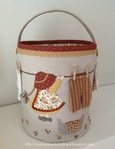 images attach d 1 131 668 Quilting Projects, Sewing Projects, Peg Bag, Sunbonnet Sue, Sewing Baskets, Fabric Bags, Quilted Bag, Sewing Crafts, Diy And Crafts