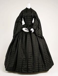 1885: Gorgeously gothy mourning attire from 1815-1915 | Dangerous Minds