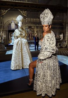 "Rihanna at the ""Heavenly Bodies: Fashion and the Catholic Imagination"" Exhibition at the Metropolitan Museum, with an ensemble Christian Dior Haute Couture by John Galliano, Fall 2000 collection. She wears Maison Margiela by John Galliano. © Getty Images"