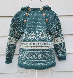 Snøhetta anorak and sweater von SiSiVeAS auf Etsy - decmusic. Christmas Yarn, Christmas Sweaters, Crochet Round, Easy Crochet, Hello Kitty Purse, Cat Scarf, Girls Sweaters, Cardigans, Baby Blanket Crochet