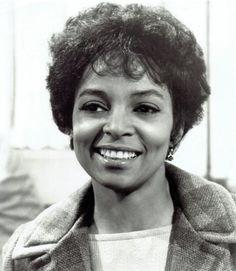 Ruby Dee Celebrity Deaths, Vintage Black Glamour, Grown Women, Tv Guide, Queen, Celebs, Celebrities, Classic Beauty, Beautiful Black Women