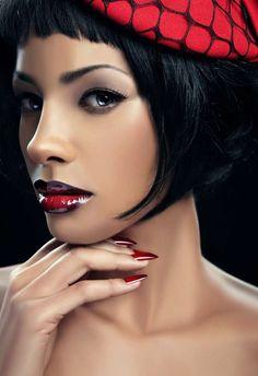 Esta é uma tendência de lábios em duas cores para quem gosta de ousar.
