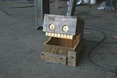 Reclaimed Wood Box - Monster Oak Pallet via Etsy. @MPCustomMade