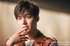 Lee Min Ho se transforma en un motociclista estrella para un nuevo comercial | Koreantastic