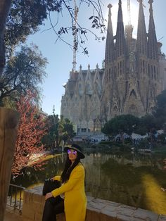 BARCELONA SPRAIN CATALONIA Sprain, Abundant Life, How To Stay Motivated, Barcelona Cathedral, Monument Valley, Places To Visit, Motivation, Building, Nature