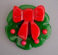 Shultz Bakelite Christmas wreath -- love it!!!