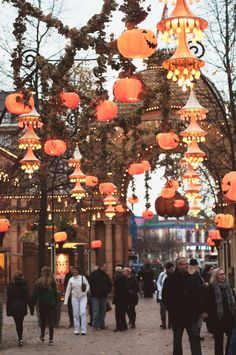 Vintage Style Halloween Lanterns - Tivoli Gardens Amusement Park, Halloween in Copenhagen, Denmark - Photo by Tina Fussell Royal Copenhagen, Copenhagen Denmark, Tivoli Copenhagen, Halloween Items, Halloween Photos, Halloween Outside, Tivoli Gardens, Halloween Lanterns, Copenhagen