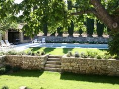 Luxury Vacation Rentals PROVENCE Seasonal rental villas and - Modern Backyard Pool Landscaping, Backyard Pool Designs, Swimming Pools Backyard, Swimming Pool Designs, Patio Design, Terraced Backyard, Country Pool, Sloped Garden, Pool Houses
