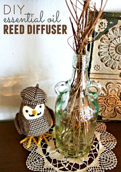 DIY Essential Oil Reed Diffuser Reed diffusers add a special touch to any decor, but they can be pricey. Learn how to make a DIY essential oil reed diffuser with a few simple supplies. Essential Oil Diffuser Blends, Essential Oils, Easy Crafts, Easy Diy, Kids Crafts, How To Make Diy, Homemade Gifts, Diy Gifts, Diffusers