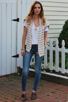 white James Perse t-shirt - blue Levis jeans - beige H sweater