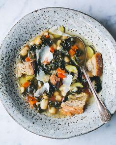 Zuppa di Ribollita: olive oil, onion, garlic, carrots, chili flakes, sage, parsley, tomato, zucchini, kale, cannellini beans, veggie stock, salt, pepper, parmesan cheese, bread
