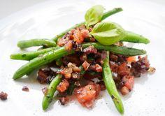 Der Geschmack von Bohnen, Speck und Tomaten macht dieses #Rezept für Fagiolini in umido einfach unwiderstehlich.