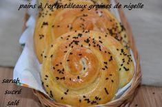 selem alaykoum/bonjour C'est avec plaisir que je partage avec vous ces délicieux petits pains ,bien legers, bien aérés et délicieusement parfumés aux graines de nigelle! ils sont vraiment très rapides puisqu'ils auront besoin qu'une heure de lever!!je...