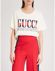 Gucci Logo-print cotton-jersey T-shirt Gucci T Shirt Women, Gucci Logo, Oversized White T Shirt, White Short Sleeve Tops, Spring Summer Trends, Jersey Shirt, Printed Cotton, White Shorts, Madrid