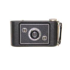 Vintage Jiffy Kodak Series H Camera... Wow my dad used to have one