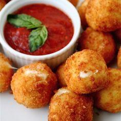 Mozzarella Balls & Tomato Basil Sauce