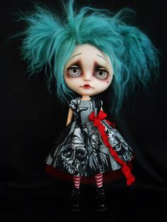 Custom Blythe Doll por Spookykidsworkshop en Etsy