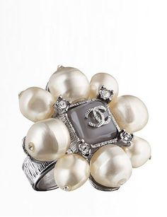 CHANEL Metal Ring With Pearls
