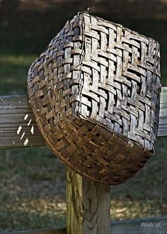 .love this basket....believe it's called a houndstooth weave