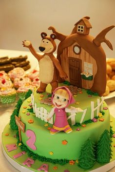 Masha and the bear cake - by Pastaloji www.pastaloji.com - from Mira Gor 2nd birthday party İstanbul