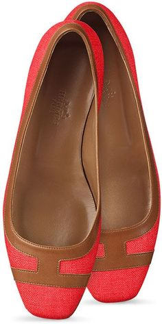 Shop Women's Hermès Ballet flats and pumps on Lyst. Track over 66 Hermès Ballet flats and pumps for stock and sale updates. Cute Flats, Cute Shoes, Me Too Shoes, Pretty Shoes, Beautiful Shoes, Shoe Boots, Shoes Sandals, Flat Shoes, Red Flats