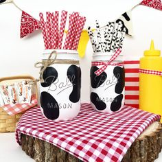 Hey, I found this really awesome Etsy listing at https://www.etsy.com/listing/466873893/cow-mason-jar-cow-centerpieces-decor