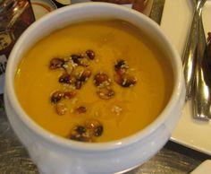 Supa de dovleac cu muguri de pin