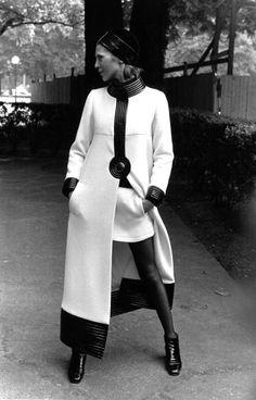 1969, Pierre Cardin