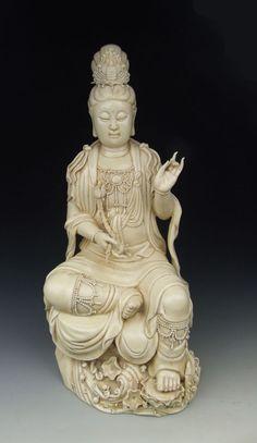 Dehua Ware Porcelain Kuanyin Buddha Statue