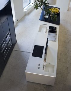 Poliform contemporary furniture: the Italian brand of fine and designer furniture with high quality finishings. Kitchens, Kitchen Appliances, Kitchen Gallery, Kitchen Interior, My House, Interiors, Modern, Decor, Tiles